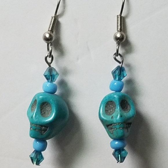 New. A pair of hand made dangly pink /& blue crackle glass  bead clip on  earrings